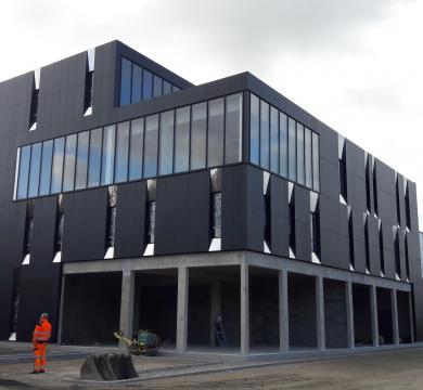 Construction d'un immeuble de bureaux et de commerces